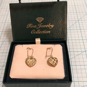 Jewelry - Gold ❤️ drop earrings